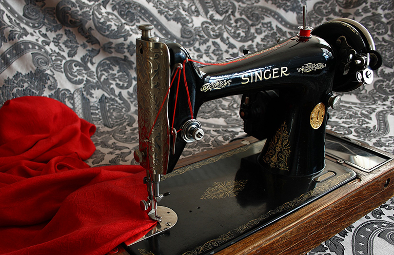 sewing sewing machine